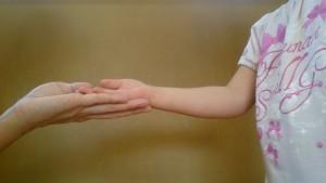 発達障害・自閉症育児のカンタン家庭療育 ちょうだいの仕草が出来ました