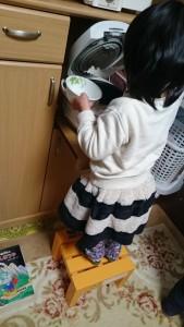 発達障害・自閉症育児のカンタン家庭療育 食器の出し入れ