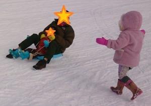 カンタン家庭療育 スキー場でそり