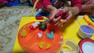 カンタン家庭療育 粘土遊び つぶす