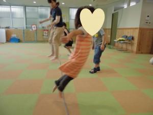カンタン家庭療育 スポーツキッズ上社さま 縄跳びの練習1