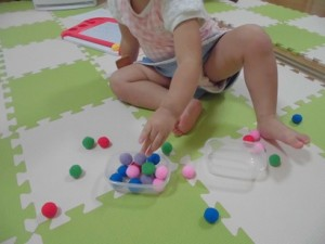 カンタン家庭療育 新しいおもちゃに夢中
