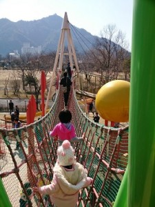 カンタン家庭療育 長良公園 アスレチック 吊り橋