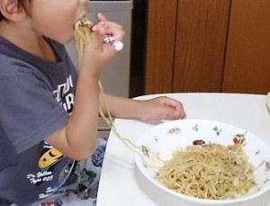 発達障害や自閉症の子どもの偏食対策 食べやすい道具を使う