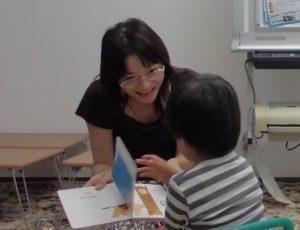 一緒に遊べて絵本の読み聞かせも聞けるように 3歳のパーソナル療育プログラムの相談事例