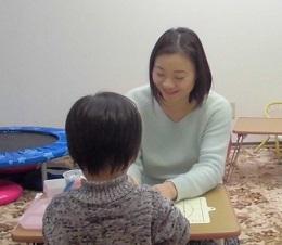 形容詞がよく出るようになりました!3歳のお子さんの家庭療育プログラムの事例と効果