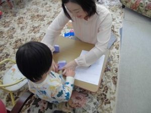 3歳入園前の子 折り紙も折れるようになりました